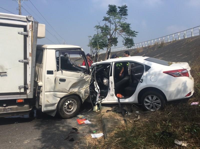國慶連假雲林發生兩車對撞車禍 8人輕重傷