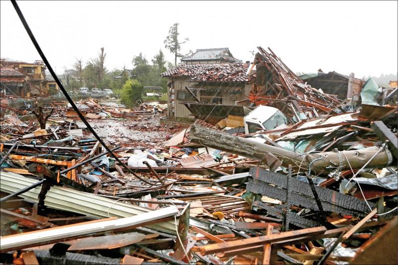 千葉縣的市原市十二日發生水龍捲,造成一棟住宅全毀、一死五傷。(法新社)