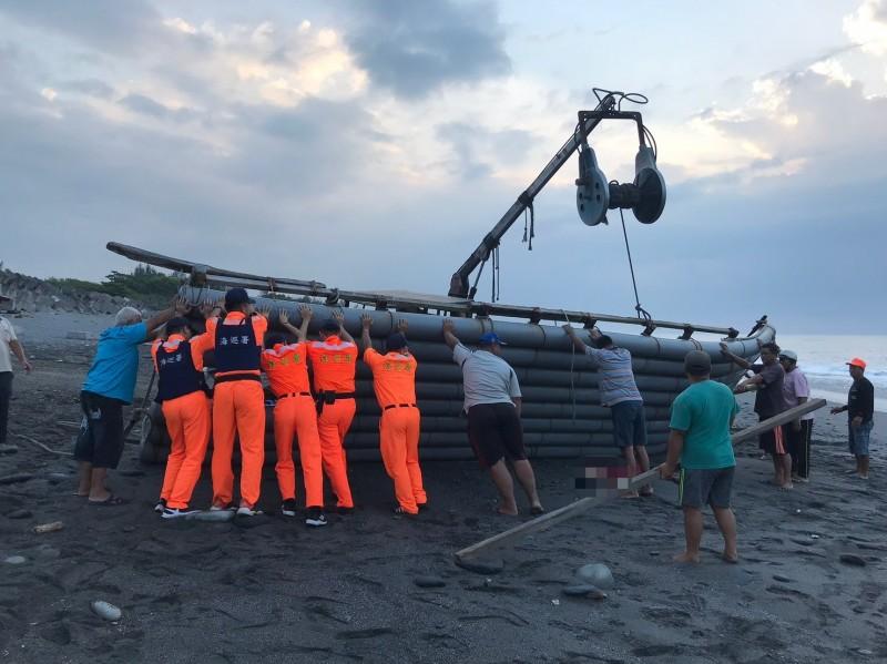 太麻里三和漁港驚見女子被膠筏壓住死亡