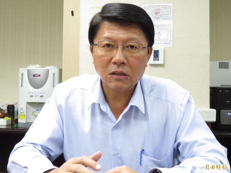 謝龍介說,確實有人推薦他當不區分立委,希望他到國會能為南部鄉親貢獻、服務。(記者蔡文居攝)