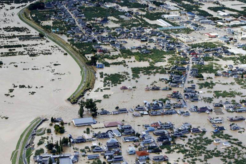 哈吉貝重創日本至少9死12失蹤 千曲川潰堤淹沒住宅區