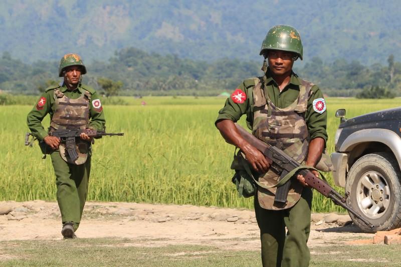 疑誤認消防員是武裝部隊 緬甸若開邦叛亂分子劫持31人質