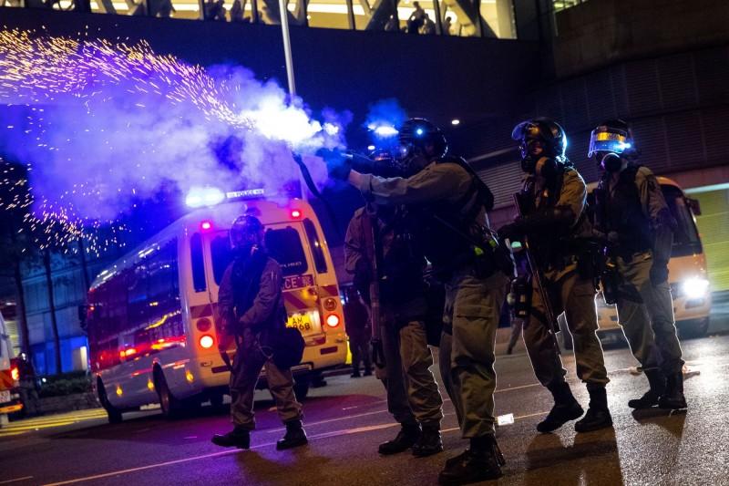 美商傳為港警提供催淚彈  參議員籲停售「別為錢忽視人權」