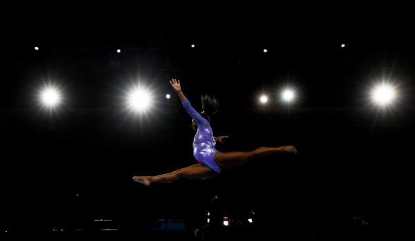 體操》狂!美國拜爾絲平衡木摘金 24面世錦賽獎牌成史上第1