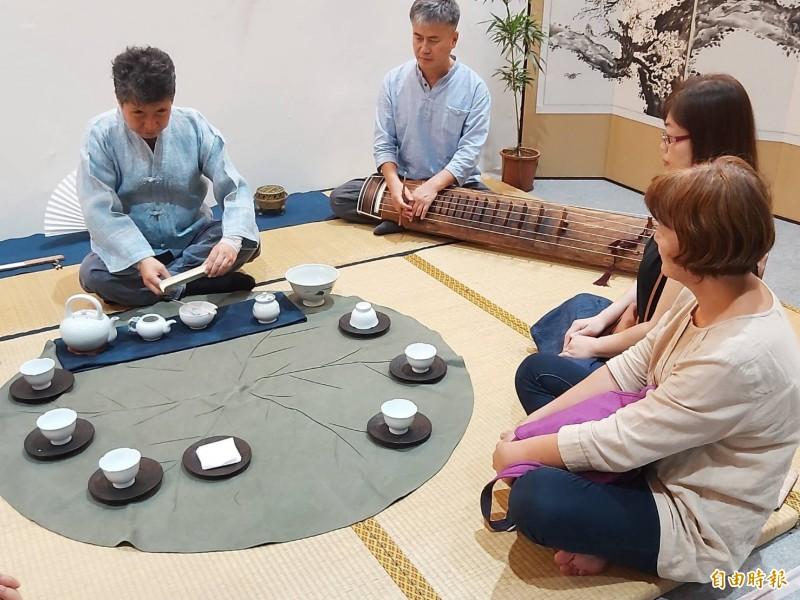 南投茶博會吹異國風 韓國茶席琴聲伴茶香