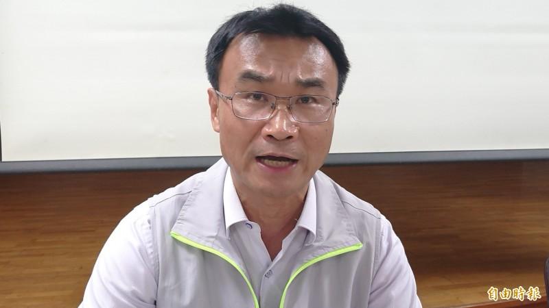 農委會主委陳吉仲說明植保機的現行法源將會朝農用修改。(記者廖淑玲攝)