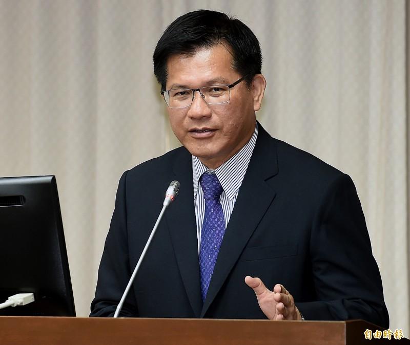 交通部長林佳龍於交通委員會報告並備質詢。(記者朱沛雄攝)
