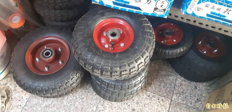 雲林「吳總統」買輪胎餘款未付清挨告。(記者廖淑玲攝)