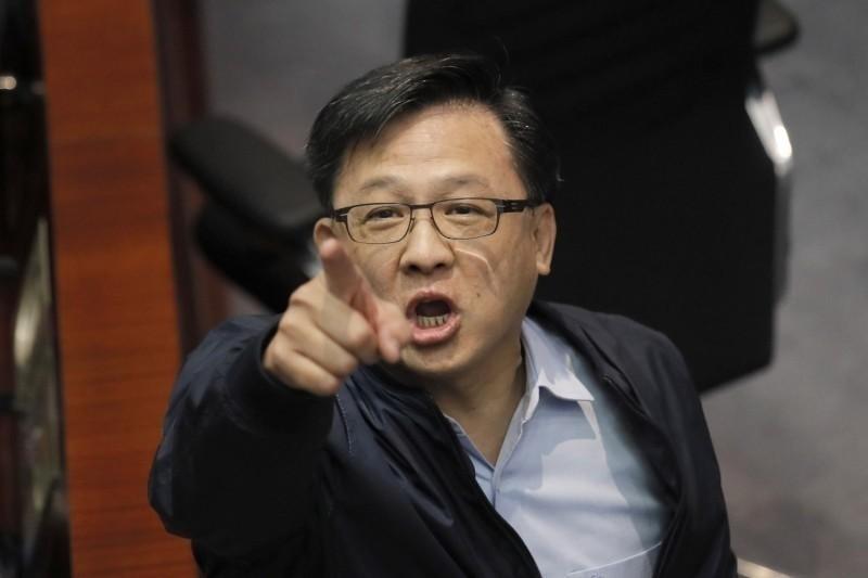 香港建制派議員何君堯,稱與英國人結婚的民主派女議員毛孟靜「食慣洋腸」,引發爭議。(美聯社檔案照)