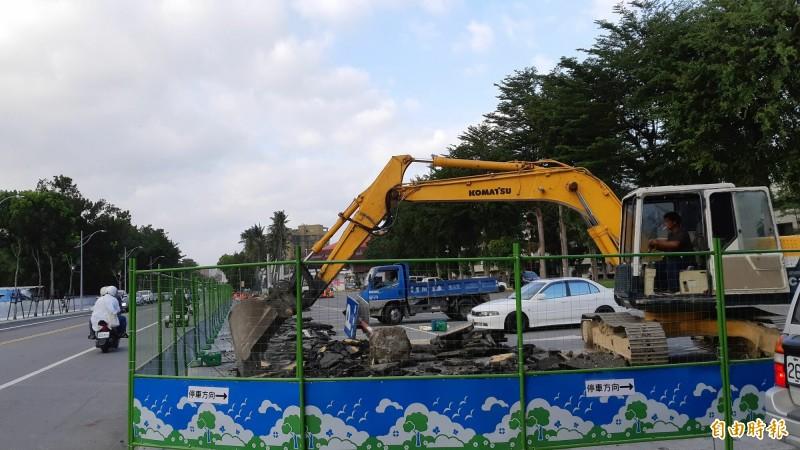 「台東之眼」工程動工,預計明年8月完工。(記者黃明堂攝)