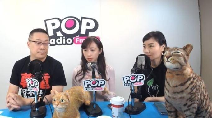 許淑華和廖維欣今上《pop搶先爆節目》接受主持人「宅神」朱學恆訪問。(取自許淑華YOUTUBE)