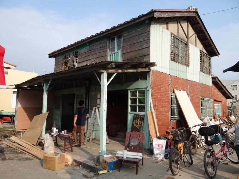 存德中藥房原有的樣貌,2013年由社區規劃師、大學師生進行社區營造,整修保存。(許芳瑜提供)