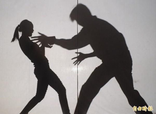 男子葉文隆涉嫌強行性侵按摩女,新北地檢署今日將他起訴。(示意圖)