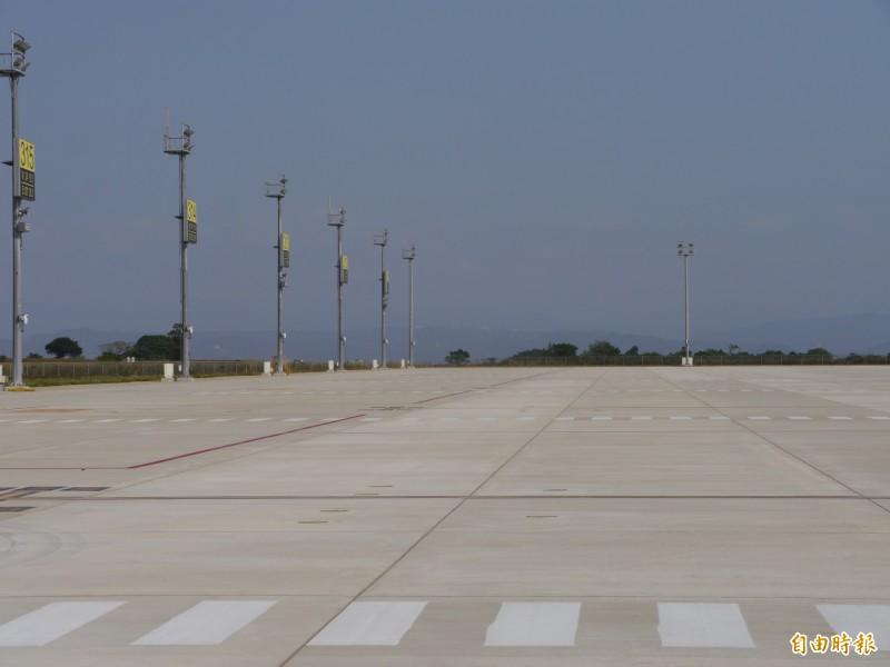 台中機場過夜停機坪年初啟用。(記者張軒哲攝)