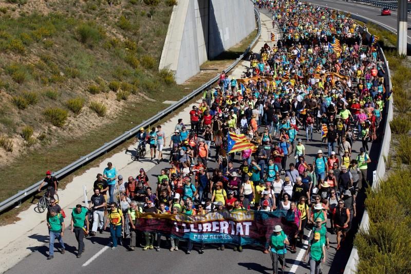 加泰獨派和平遊行總動員 預計18日抵達巴塞隆納
