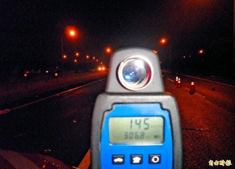 失戀男國道飆速145公里... 「紅斑馬」的執勤日常是這樣