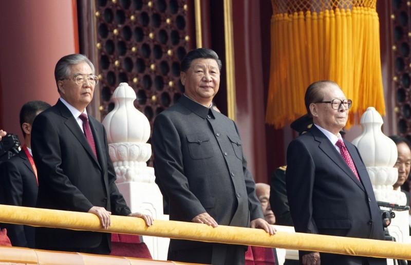 中共召開第19屆四中全會在即,在越來越激烈政治鬥爭下,習近平跟「反習勢力」恐將攤牌。(美聯社)