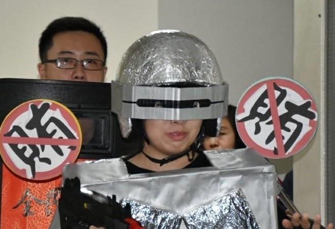 「ㄎㄧㄤ爆戰警」面會檢察官 分局:跪求改裝建議