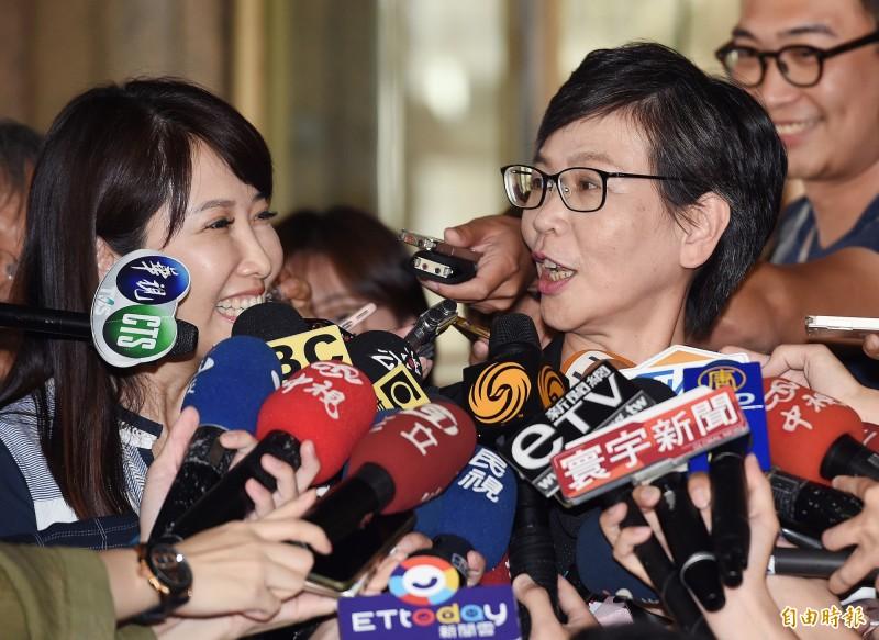 台北市政府顧問蔡壁如今早表示,鴻海創辦人郭台銘有想進入民眾黨的不分區名單,但卡在加入台灣民眾黨的問題。(資料照)