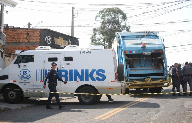 巴西機場大劫案!警匪駁火3嫌遭擊斃 10餘人在逃