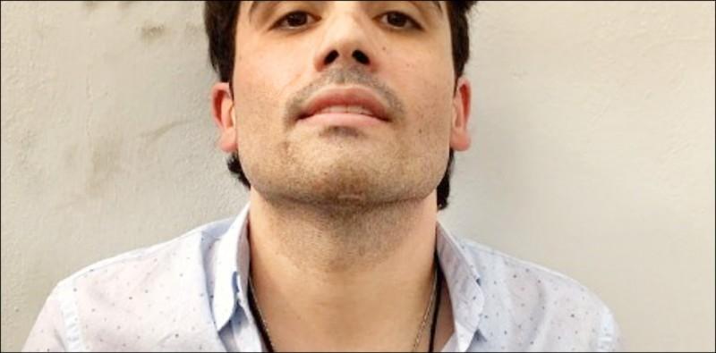 歐維迪歐取代在美國坐牢的父親運作販毒。(取自網路)