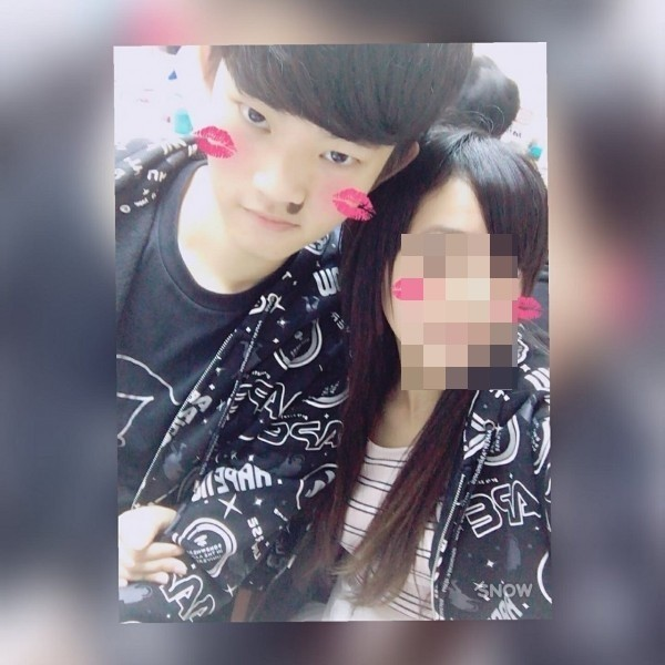 陳同佳(左)在台殺害女友後逃回香港。(圖取自臉書)