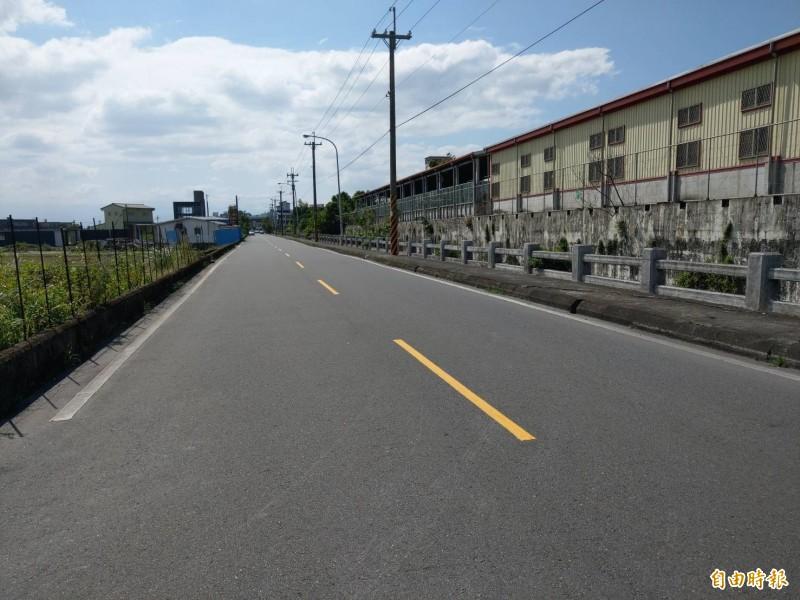 礁溪鄉公所將火車站後方的道路,規劃做為夜市預定地使用,希望徵集200攤熱門攤商,聚集旅遊人潮。(記者張議晨攝)