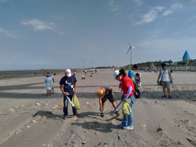 台中大安海觀光推廣活動吸客3萬 淨灘乾淨落幕