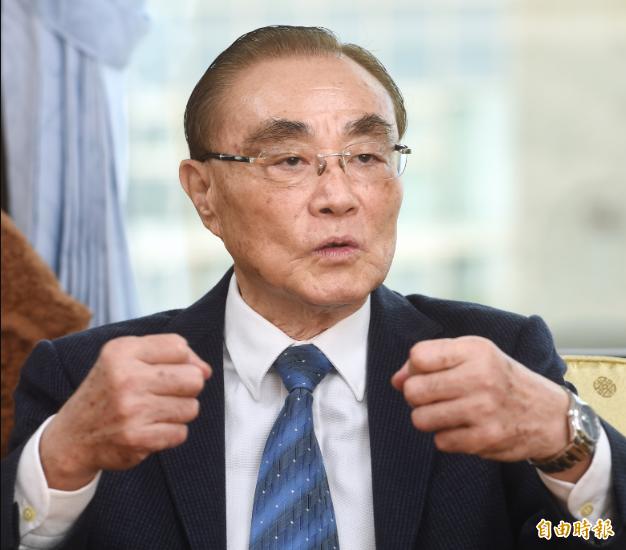 專訪退輔會主委馮世寬。(記者方賓照攝)
