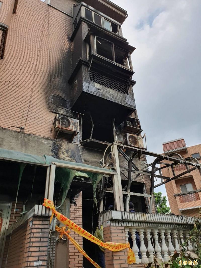 火勢延燒迅速從一樓延燒至三樓,由於來不及逃生造成3人命喪火窟。(記者邱書昱攝)