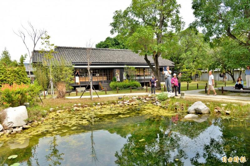 檜意森活村是全台最大的木結構村。(記者許麗娟攝)