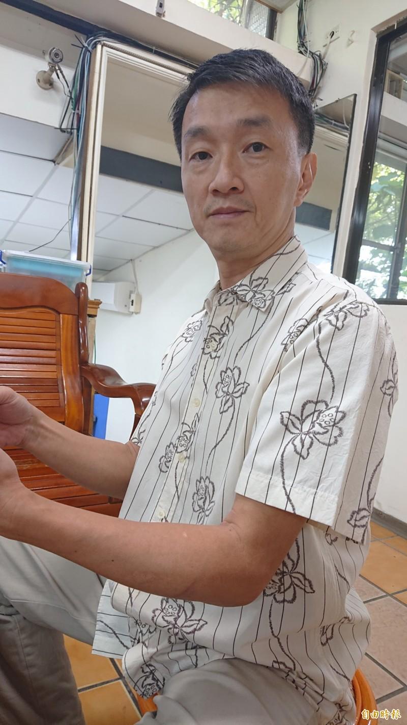 在家看電視發現並逮捕顏男的虎尾分局偵查隊長李志文。(記者廖淑玲攝)