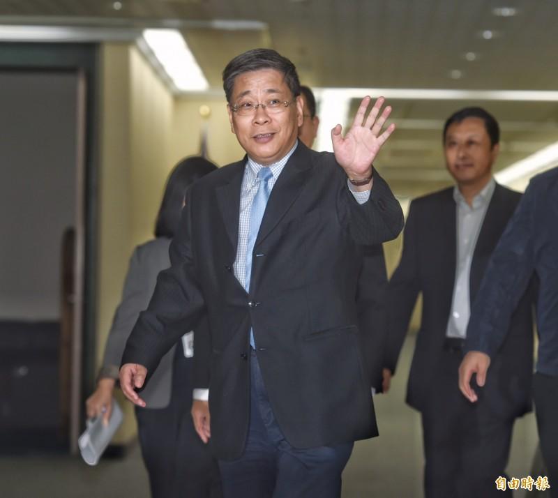 中國上海市台辦主任李文輝(前)遭民眾投訴昨晚至國家音樂廳欣賞樂團表演時,在三樓包廂違規照相攝影。(資料照,記者方賓照攝)