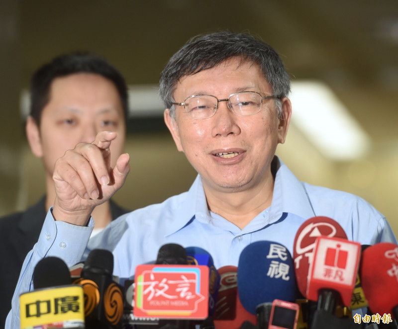 高雄市長韓國瑜昨天稱柯文哲酸他酸到快變成「陳年老醋工廠的老闆」了,柯今受訪時表示,「我也是覺得他很可惜」。(記者方賓照攝)