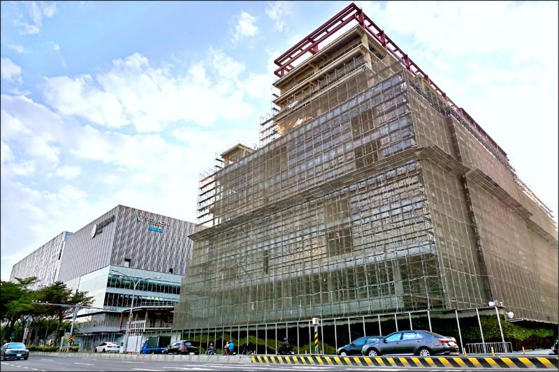 南紡購物中心第二期開發案,預計明年第四季開幕。(記者王俊忠翻攝)