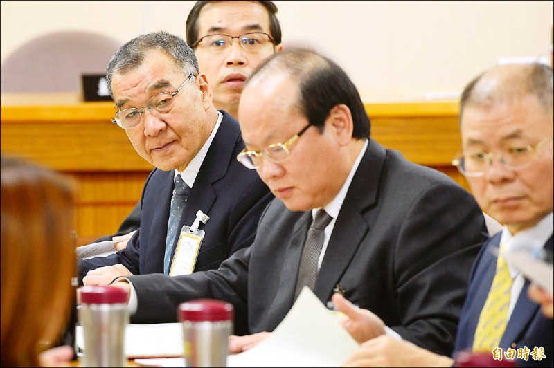 國安局長邱國正昨赴立法院外交及國防委員會備詢,他表示,在這個節骨眼,香港要把陳同佳送來台灣,「我們不得不在政治層面要做考量」。(記者叢昌瑾攝)