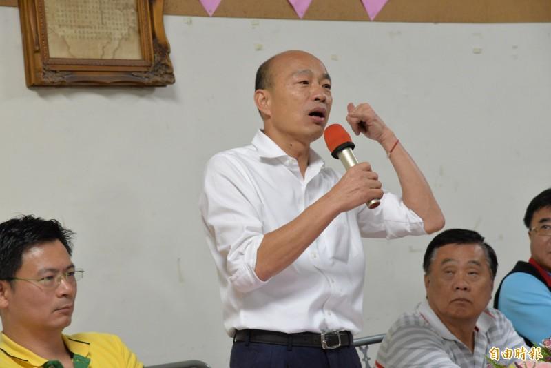 韓國瑜說自己愛喝酒、愛唱歌、愛交朋友。(記者許麗娟攝)