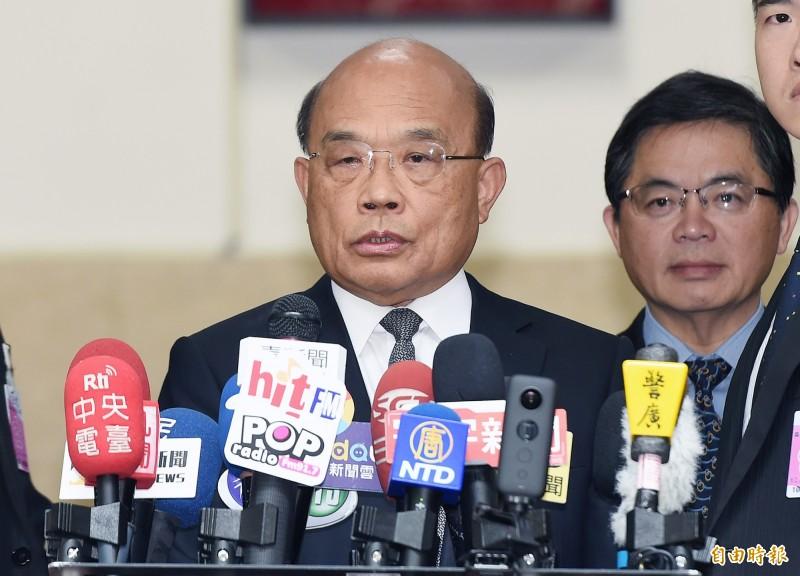 行政院長蘇貞昌22日赴立法院施政報告總質詢,會前受訪。(記者廖振輝攝)