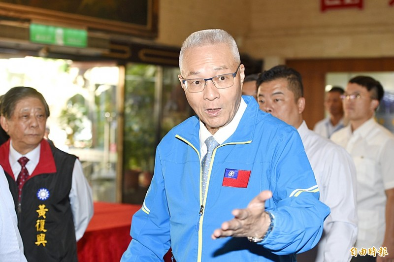 Chinese Nationalist Party (KMT) Chairman Wu Den-yih gestures at a campaign event for the party's presidential and legislative candidates at the Taipei Hero House yesterday. Photo: George Tsorng, Taipei Times