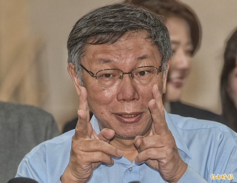 台北市長柯文哲22日在市府受訪。(記者張嘉明攝)