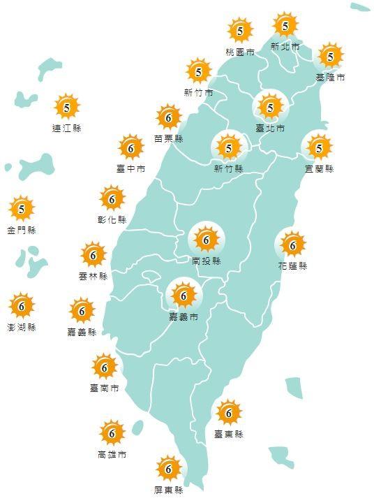 紫外線方面,明天除宜蘭縣、基隆市、雙北、桃園市、新竹縣市、連江縣以及金門縣為黃色「中量級」,其他地區皆為橘色「高量級」。(圖擷取自中央氣象局)