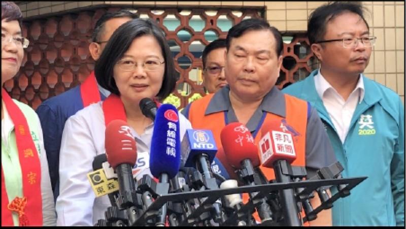 對於陳同佳來台投案,總統蔡英文表示,香港放棄司法管轄權才可議。(記者顏宏駿攝)