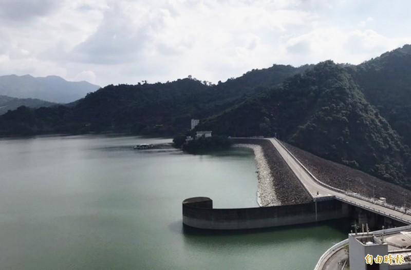 南水局全力調控,可望在年底時,讓曾文水庫與烏山頭水庫合計有效蓄水量達4億立方米。(記者吳俊鋒攝)