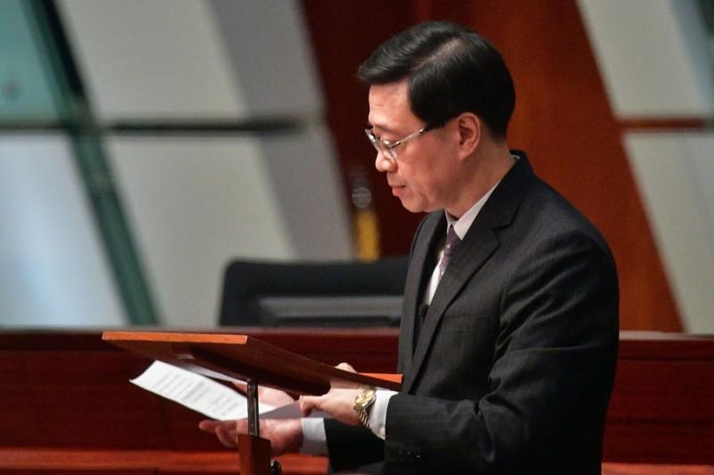 香港保安局局長李家超今日在立法會上宣布正式撤回修訂《逃犯條例》。(法新社)