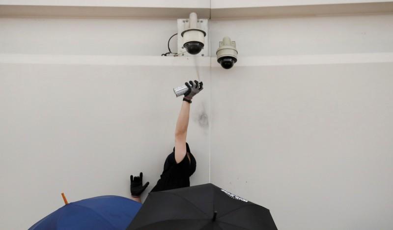 據彭博報導,香港警方已擁有人臉辨識功能的AI系統,目前尚不知是否有用反送中示威中。(路透)