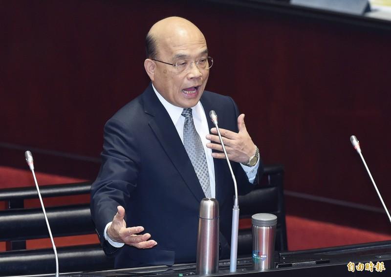 行政院長蘇貞昌明天將主持院會通過修正「國家賠償法」,民眾若執意冒險登山或涉水要自負風險與責任。(資料照)