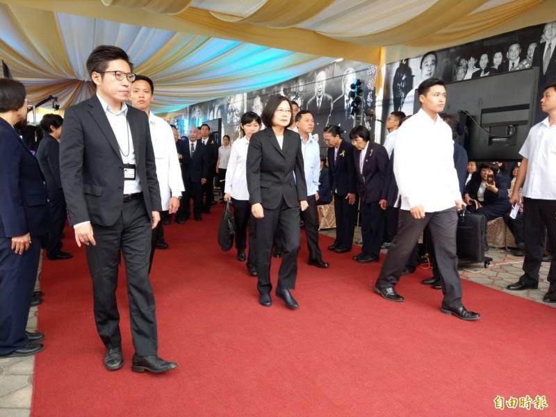 彥武鋼鐵集團創辦人姚武年今早舉行告別式,總統蔡英文出席並頒贈褒揚令給家屬。(記者方志賢攝)
