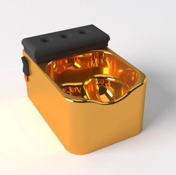 英國近日推出男性專屬的「蛋蛋按摩浴缸」。(圖擷自Testicuzzi網站)