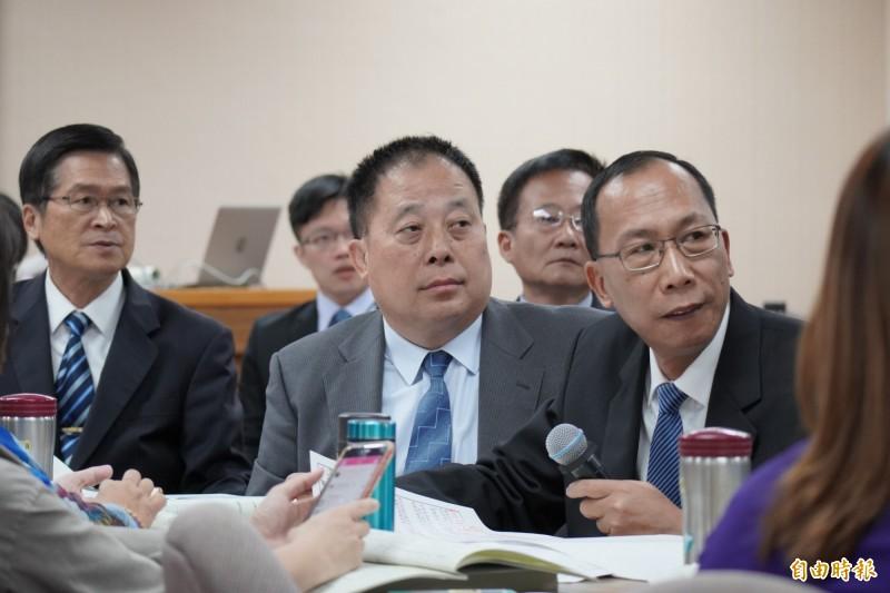 國防部官員今日到立法院參加預算審查。(記者涂鉅旻攝)