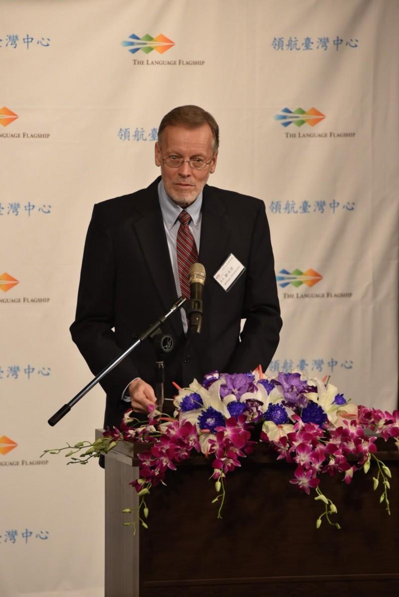 美國在台協會處長酈英傑也以親身來台的經驗,鼓勵學子在台灣這塊民主友善的土地好好學習,而台美間也全力推動國際交流,更一起投入「人才循環大聯盟計畫」等重大人才交流,促進彼此專業人才交流。(記者吳柏軒攝)
